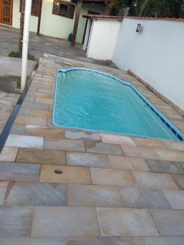 Casa com quintal, espaço gourmet com churrasqueira, piscina, espaço fitness, laguinho, etc
