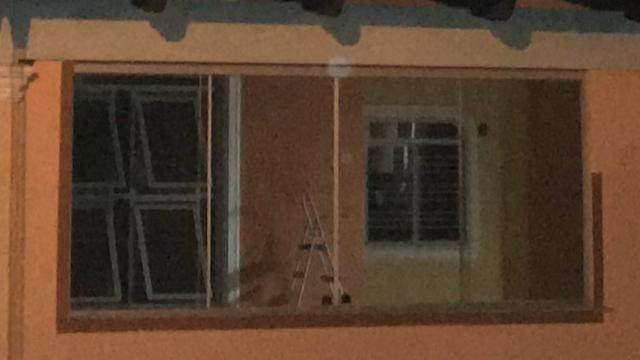 Vendo portas e janelas - Foto 2
