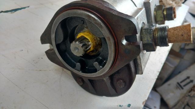 Bomba hidráulica dupla Mini retroescavadeira JCB 1CX, p/n 20/208800 - Foto 3