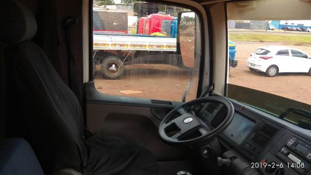 Caminhão 24.250 truck - Foto 2