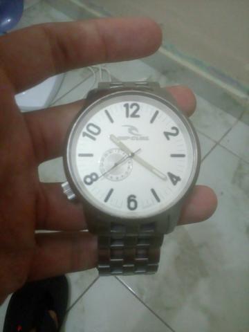 2f1fcea820b Vendo relógio rip curl original na loja 1.500 - Bijouterias ...