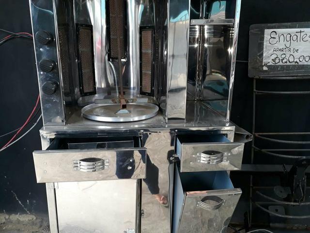 Maquina para churrasco grego