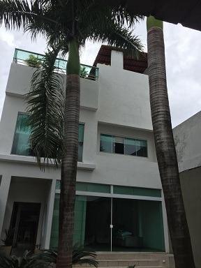 Lotus Vende Excelente Casa com 03 Pavimentos, na Trav. Benjamin Constant