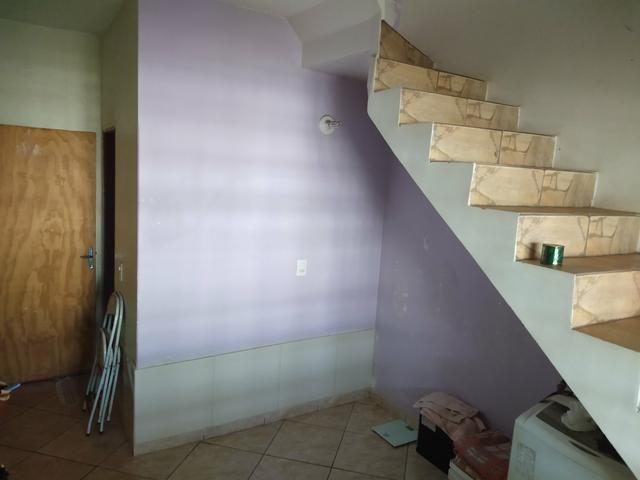 Sobrado na QR 514 Samambaia Sul 5 qtos, 2suites, casa de fundos para aluguel