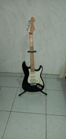 Guitarra nova