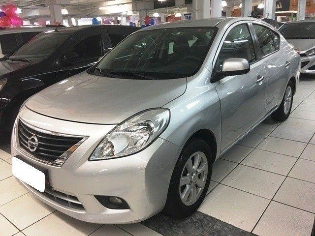 Nissan versa 1.6 sl prata 16v flex 4p manual 2013