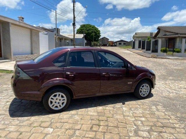Fiesta 1.6 sedan impecável baixa km - Foto 5