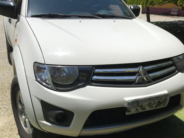 Mitsubishi l200 triton - 2015
