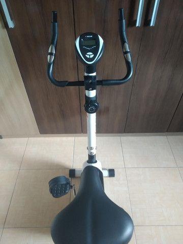 Bicicleta ergométrica magnética vertical kikos kv 3.1 - 8 velocidades