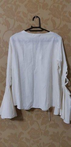 Blusa branca (marca= Neofol) - Foto 2