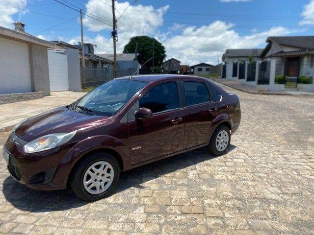 Fiesta 1.6 sedan impecável baixa km - Foto 3