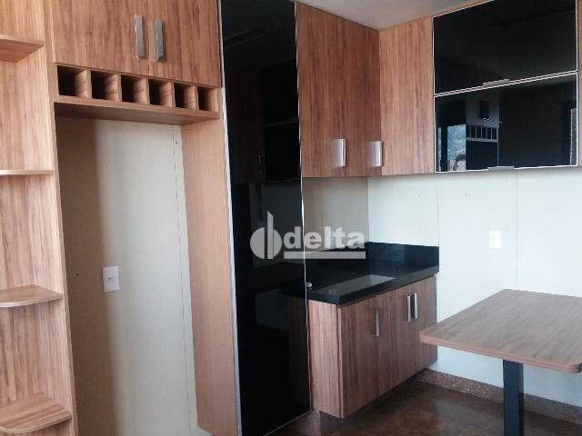 Apartamento com 3 dormitórios para alugar, 200 m² por R$ 2.500,00 - Centro - Uberlândia/MG - Foto 9