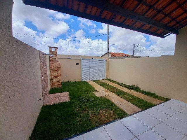DP casa nova com 2 quartos 2 banheiros com sala 2 ambientes e garagem - Foto 2