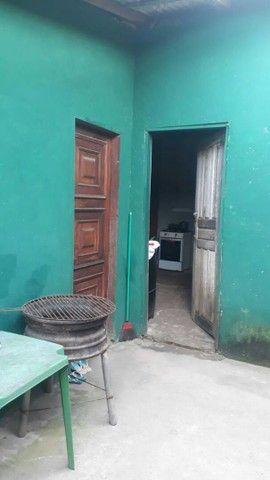 Vende-se uma casa no 40 horas perto do posto de saúde do ariri