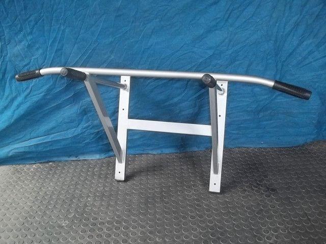 Barra fixa de parede com 6 parabolts - suporta 140 kg -240,00