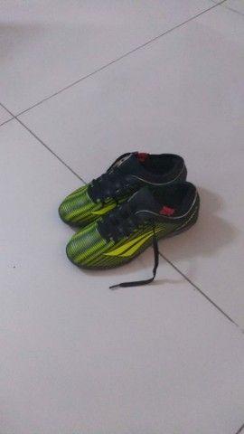Tenis de futsal da Penalty tamanho 35 - Foto 2