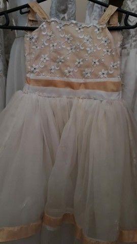 Aluguéis de vestido de noiva, daminha, pajem, etc... - Foto 4