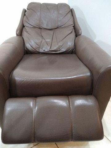 Poltrona reclinável em couro legítimo. - Foto 2