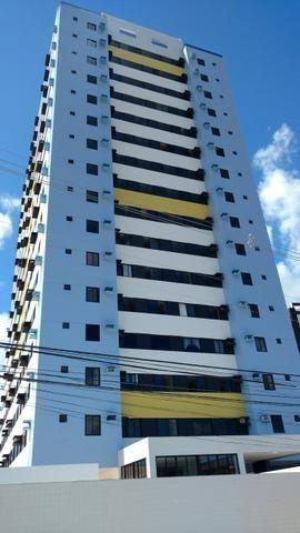 Apartamento no Edf. Barcelos 2/4 nascente com móveis planejados