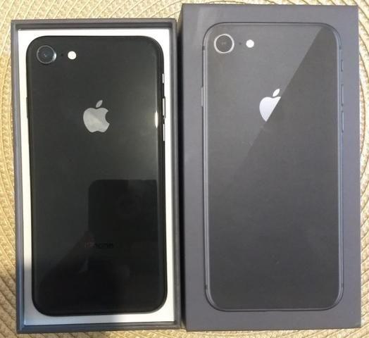 IPhone 8 cinza espacial. 64GB* NF e garantia até Fev2020 - Foto 5