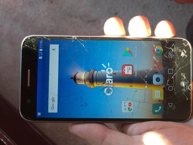 LG K10 ( novo ) com tela trincada mais funcionando - Foto 4