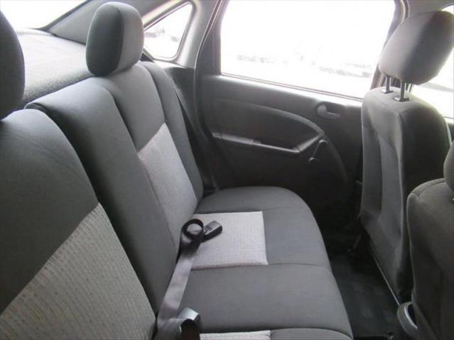 Ford Fiesta 1.6 Mpi Sedan 8v - Foto 5