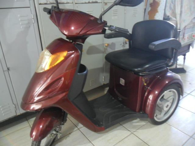 Triciclo Motorizado Óptimo para Pessoas com Dificuldade de Locomoção