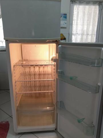 Refrigerador Consul Biplex 334 Litros - 127V - Usado - Foto 2