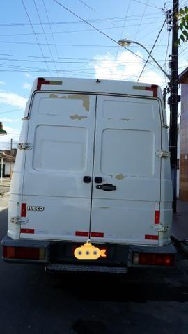 Iveco caminhão furgão - Foto 5