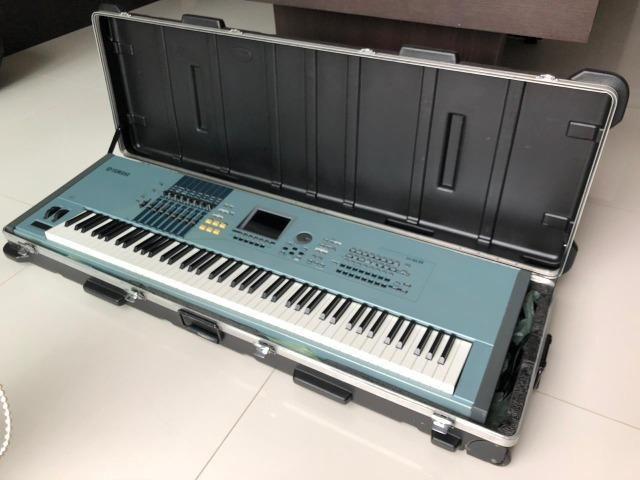 Yamaha Motif XS8 com case ótimo estado - Foto 3