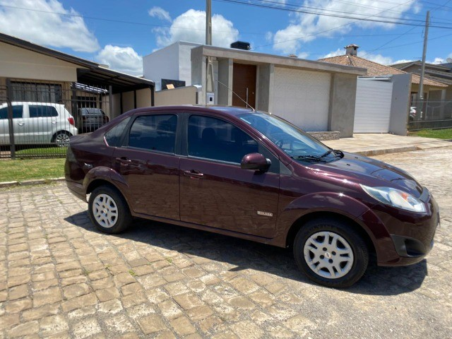 Fiesta 1.6 sedan impecável baixa km