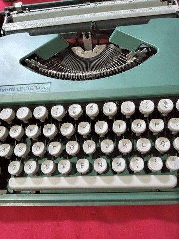 Máquina de escrever portátil olivetti 82 - Foto 3