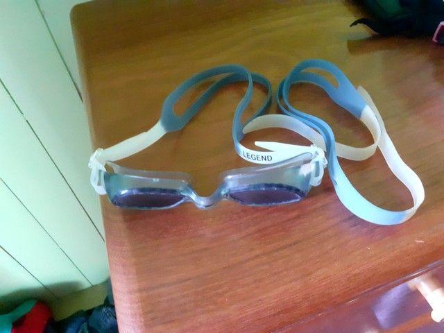 Vendo óculos de natação praticamente novo e com alça reserva - Foto 2