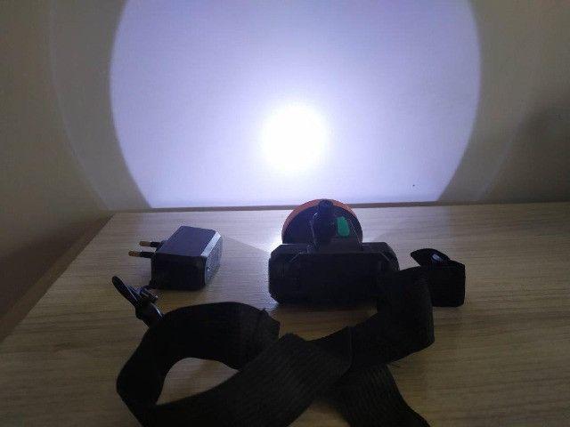 Lanterna de Cabeça Recarregável Muito Boa - Foto 2