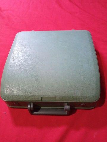 Máquina de escrever portátil olivetti 82 - Foto 2