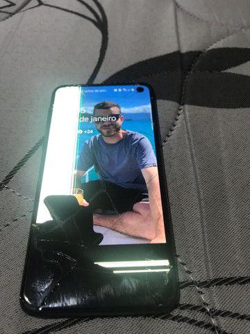 Samsung Galaxy S10e Lite 128 GB - Tela Trincada -  Leia a Descrição  - Foto 2