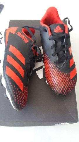 Chuteira original Adidas Predator - Foto 2