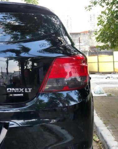 Ônix Lt 8v Flex 1.4 Preto 5P - Foto 5