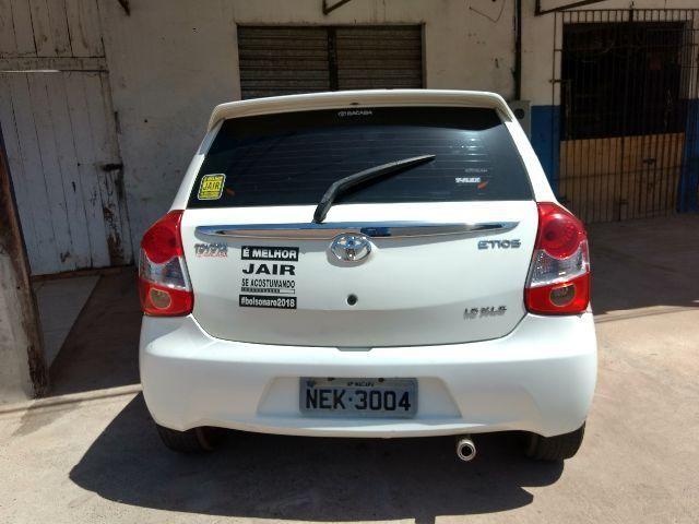 Toyota Etios XLS1.5 FLEX 16v 5P 2013 completo