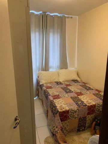 Apartamento mobiliado e decorado com excelente localização - Foto 6