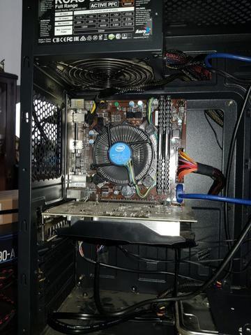 Placa mãe Intel - Semi nova