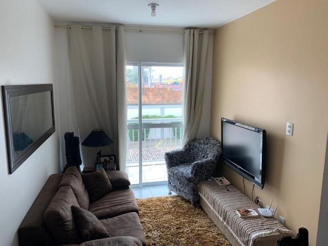 Apartamento mobiliado e decorado com excelente localização - Foto 3