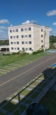 Apartamento 2/4 entrada parcelada em 72 x - 1 ano gratis de condominio - Pronto para Morar - Foto 3