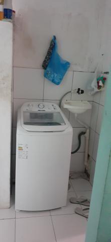 Vendo uma casa em Itapuã primeiro andar 2/4 sala ,cozinha e banheiro e área de serviço