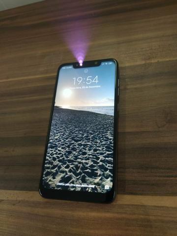 Xiaomi Pocophone F1 64GB preto (acompanham2 capinhas)