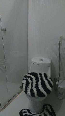 Aluga-se Flat , com 1 quarto, 1 Banheiro, 1 Sala/Cozinha em Condominio Fechado - Foto 2
