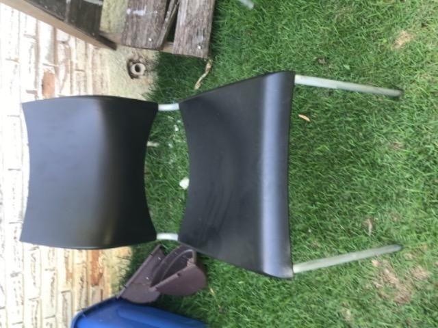 Cadeiras em prolipropileno pes de metal - Foto 3