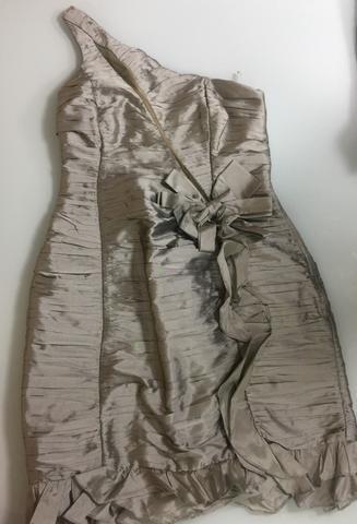 Oportunidade Vestido de festa com detalhe nas frente e nas costa M Usado 1x  marca famosa 323c331c3f0df