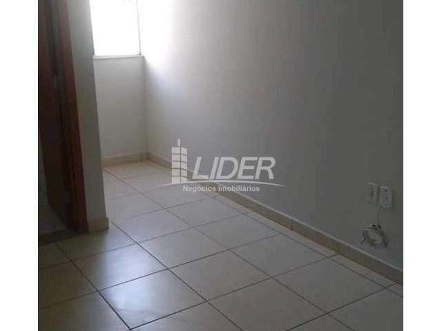 Casa de condomínio para alugar com 2 dormitórios em Saraiva, Uberlândia cod:864946 - Foto 8
