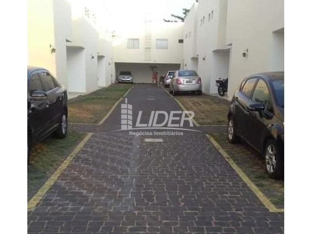 Casa de condomínio para alugar com 2 dormitórios em Saraiva, Uberlândia cod:864946